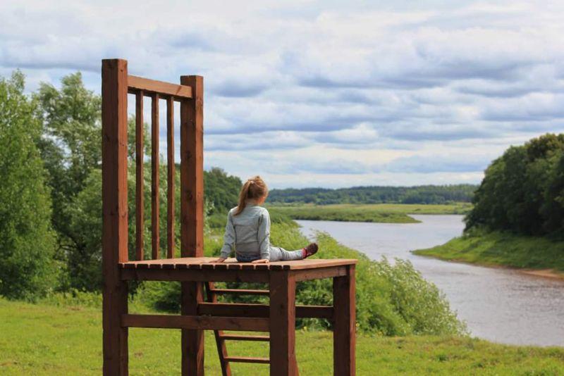 """Vides objekts """"7 krēsli"""" Latvijas pierobežā."""