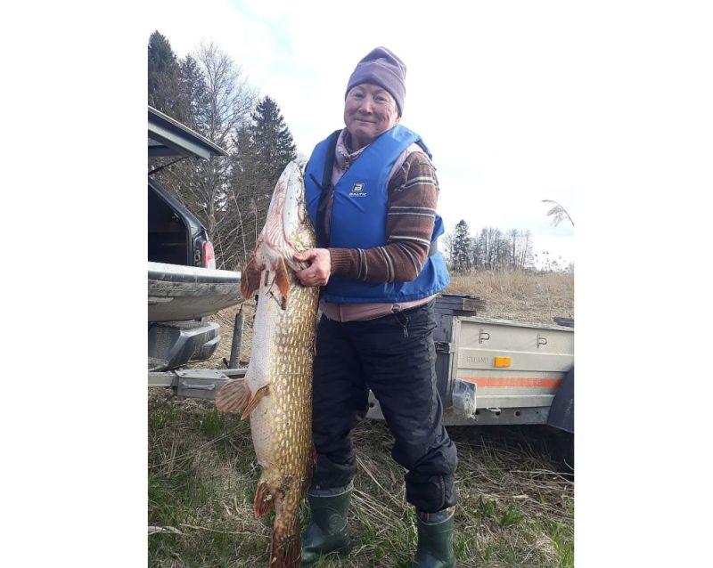 Lija Kupča ar savu 12,15 kg smago Lielupes skaistuli.