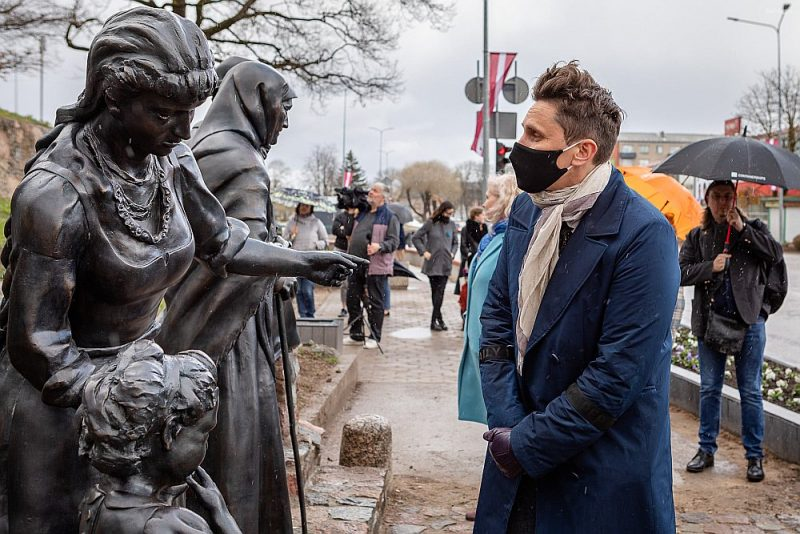 Saldenieki cer, ka pēc Jaņa Rozentāla gleznas tēliem veidotās skulptūras kļūs par vienu no pilsētas atpazīstamības simboliem.