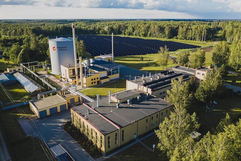 """Pēc jaunā saules paneļu parka izveides """"Salaspils siltums"""" kļūs par vienu no lielākajiem zaļās siltumenerģijas ražotājiem reģionā."""
