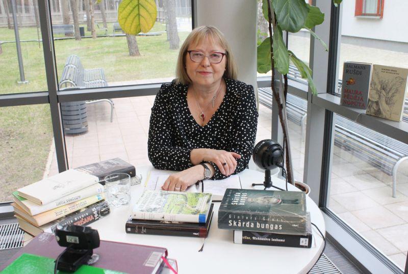 Silvija Brice Jūrmalas Centrālās bibliotēkas rīkotajā attālinātās tikšanās reizē ar lasītājiem šā gada aprīlī.