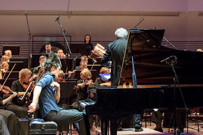 """Vestards Šimkus: """"Koncertā pats jūtos, it kā būtu viens no klausītājiem. Estētiska bauda!"""""""