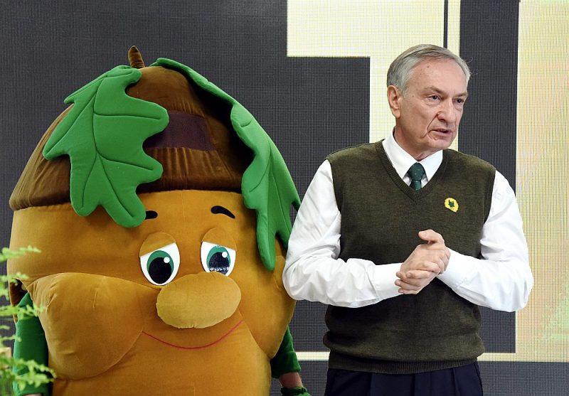 """Pirms trim gadiem SIA """"Rīgas meži"""" valdes priekšsēdētājs Aivars Tauriņš preses konferencē kokzāģētavas """"Norupe"""" telpās iepazīstināja ar uzņēmumā paveiktajiem darbiem. Tagad viņam var nākties par tiem atbildēt ar savu maku."""