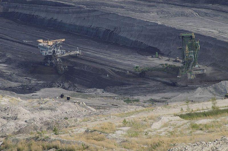 Turovas ogļraktuvēs ieguves licence beidzās jau pērn, bet Polijas valdība to pagarināja vēl uz sešiem gadiem.
