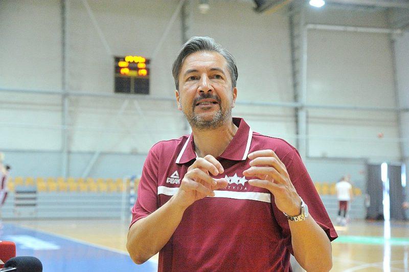 Luka Banki piketdien Polijā debitēja Latvijas basketbola izlases galvenā trenera amatā.