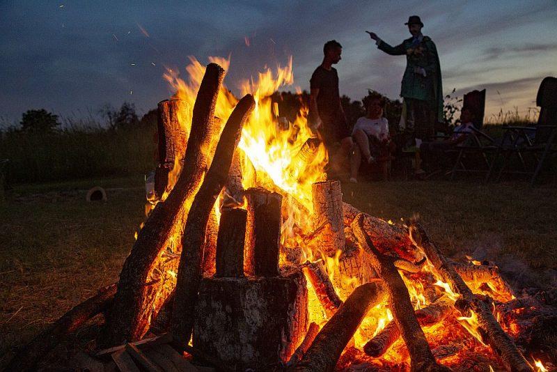 Viens no Jāņu nakts nozīmīgākajiem rituāliem ir ugunskura dedzināšana.