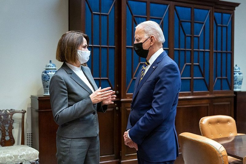 Svjatlanas Cihanouskas un Džo Baidena sarunas ilga 15 minūtes, taču to diplomātiskā nozīme ir ārkārtīgi liela.