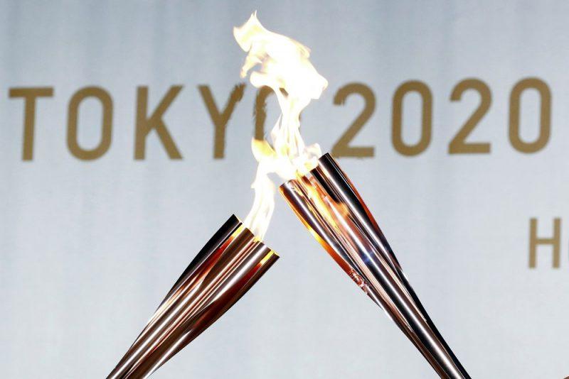 Tokijas olimpisko spēļu lāpa ir izveidota Japānas ķirša jeb sakuras ziedalas formā.