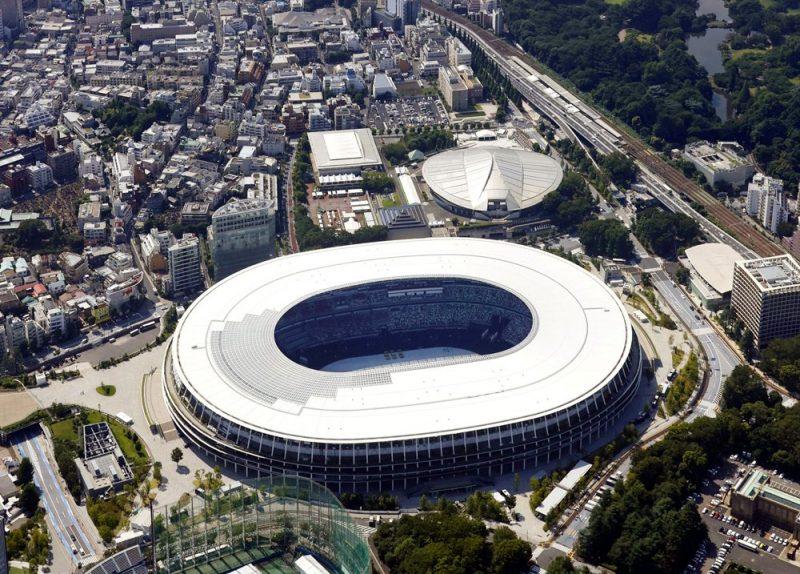 Tokijas Nacionālais stadions, kurā notiks XXXII olimpisko spēļu atklāšanas un noslēguma ceremonijas, kā arī vieglatlētikas un futbola sacensības no putna lidojuma.