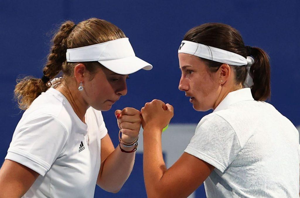 Latvijas tenisistes Ostapenko un Sevastova Tokijas olimpiskajās spēlēs.