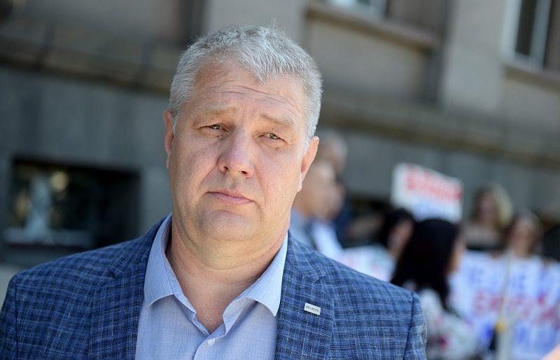 Bijušais Alojas novada priekšsēdis Valdis Bārda, kurš nav ievēlēts jaunā Limbažu novada domē, par vēlēšanu rezultātu nav pārsteigts, bet vēl nezina, ko tālāk darīs.