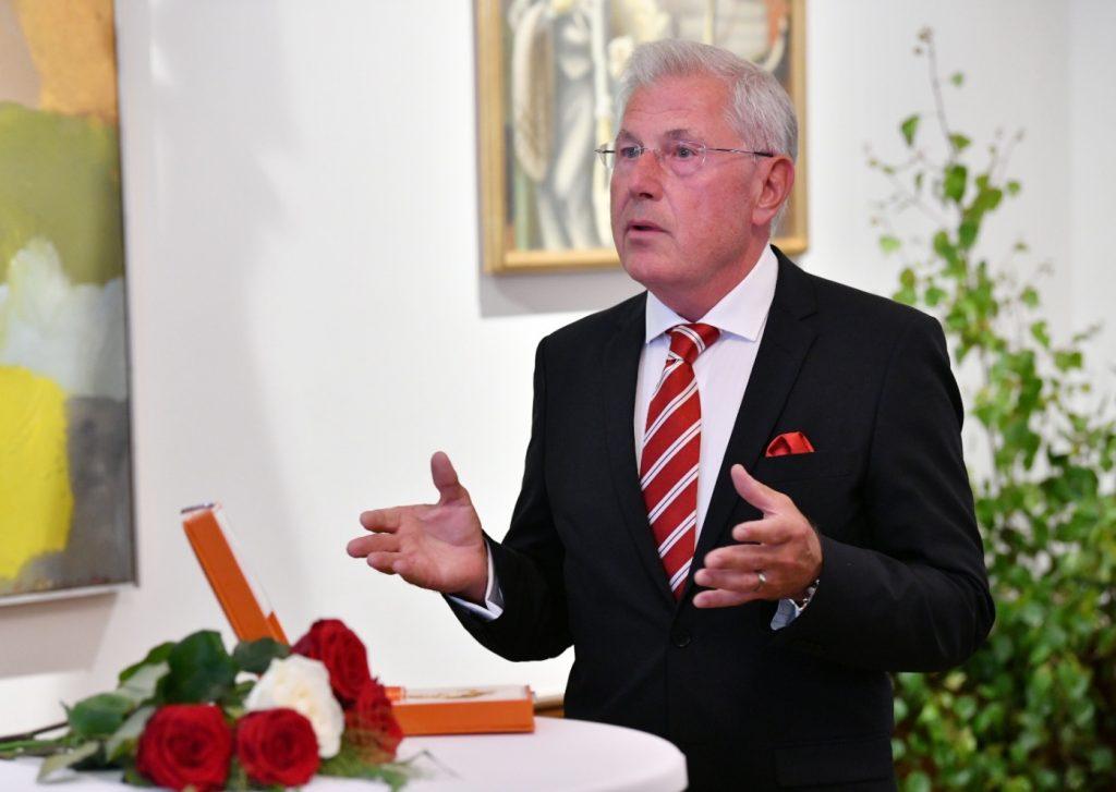 Klāss Anderss Riksons (Claes Anders Rixon) no Latvijas Valsts prezidenta Egila Levita saņēma Latvijas valsts apbalvojumu – Atzinības krustu.
