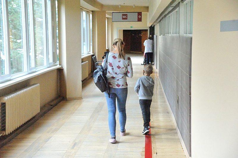 Pieaugušie bieži vien pat nenojauš, kā patiesībā bērni skolā jūtas, bet šī bērnībā gūtā pieredze turpina ietekmēt visu mūsu pieaugušā dzīvi un attiecības ar mācīšanos.