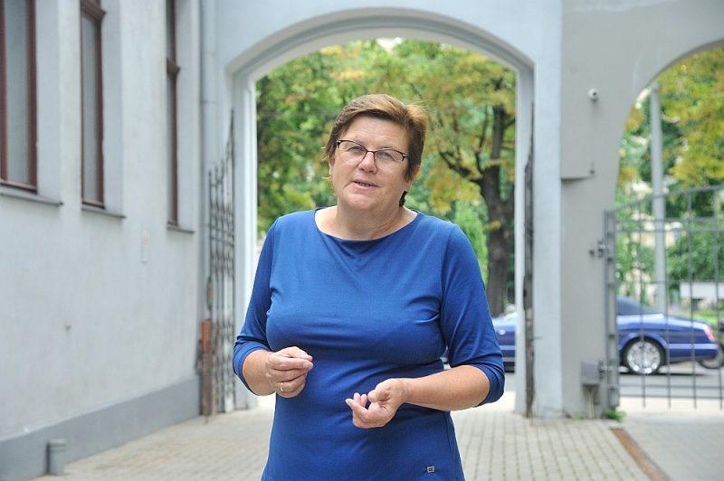 """Gunita Zariņa: """"Mums ir fanātiski profesori, mums ir erudīti, strādāt griboši jaunieši, kas varētu darboties, ja viņus kāds finansētu. Un viņi ir daudz ieinteresētāki Latvijas vēsturē nekā ārzemju doktoranti."""""""