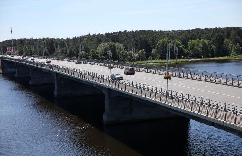 Tilts pār Lielupi Jūrmalā mūsdienās.